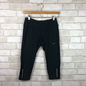 Nike Dri Fit Capri Leggings Size S